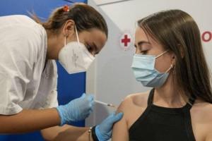 Εμβολιασμοί: Ανοίγει τον Αύγουστο η πλατφόρμα για τους 12 – 15 ετών