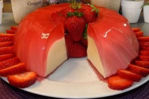 Πανεύκολο γλυκό ψυγείου με βανίλια και φράουλες