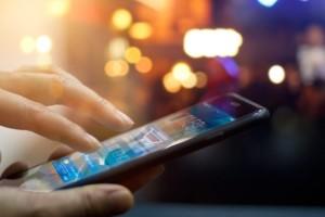 Μεγάλη προσοχή: Σε αυτές τις εφαρμογές παρακολουθούν το κινητό σας