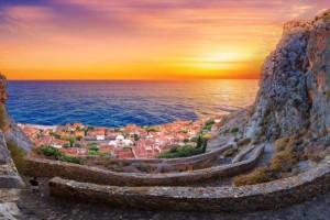 Μονεμβασιά: 2 υπέροχα και οικονομικά ξενοδοχεία δίπλα στη θάλασσα & με καλή βαθμολογία στο booking από τον Τάσο Δούση