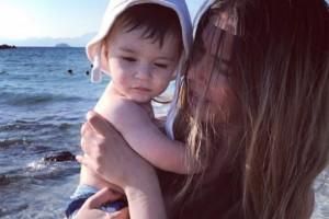 Κατερίνα Μουτσάτσου: Βάφτισε το γιο της στην Αίγινα