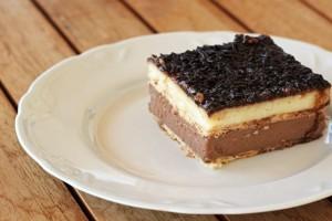 Το πιο εύκολο καλοκαιρινό γλυκό με μπισκότα!