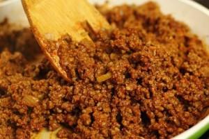 Έβαλε μαγειρική σόδα στον κιμά και μετά τον μαγείρεψε: Το αποτέλεσμα στα μπιφτέκια της ήταν μοναδικό