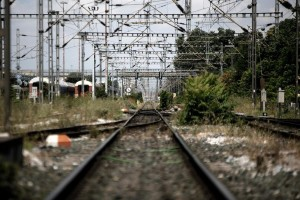 Θεσσαλονίκη: 70χρονη παρασύρθηκε από τρένο – Κρίσιμη η κατάσταση της υγείας της