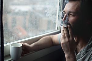 Βρωμάει τσιγάρο το σπίτι; Δες πώς θα το αντιμετωπίσεις!
