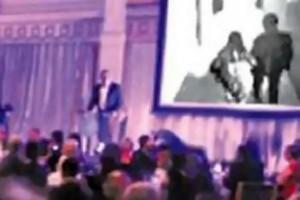 Γαμπρός έπαιξε στο γαμήλιο γλέντι βίντεο με την νύφη να... τον απατά: Η απόλυτη εκδίκηση