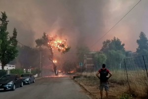 Meteo: Time lapse βίντεο της φωτιάς στη Βαρυμπόμπη - Πως εξαπλώθηκε βήμα βήμα