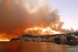 Φωτιά στη Λίμνη Ευβοίας: «Θα καούν όλα τα σπίτια, ελάτε τώρα»
