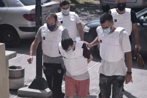 Έγκλημα στη Δάφνη: Στον ανακριτή σήμερα ο συζυγοκτόνος για την στυγερή δολοφονία