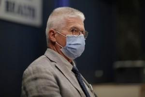 """Γώγος: """"Οι ανεμβολίαστοι θα έπρεπε να κάνουν rapid test για να ψωνίσουν"""" - """"Φουντώνει"""" η πανδημία τον Σεπτέμβριο"""