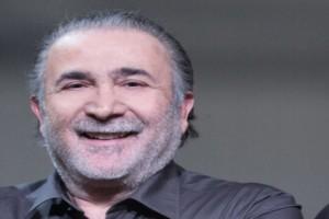 Ευτυχισμένος ξανά, μετά τον θάνατο της γυναίκας του, ο Λάκης Λαζόπουλος!