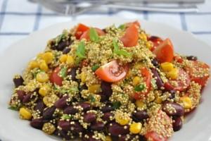 Δροσερή σαλάτα με φασόλια και κινόα