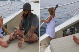 Τετράχρονη πέταξε το κινητό του μπαμπά της στην θάλασσα επειδή δεν της έδινε σημασία!