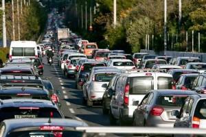 """Κίνηση στους δρόμους: Μποτιλιάρισμα στον Κηφισό - Ποιες περιοχές είναι στα """"κόκκινα"""""""