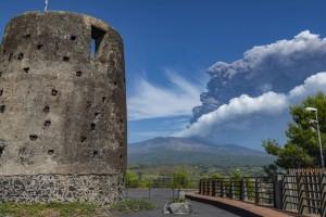 Ιταλία: Ξύπνησε ξανά η Αίτνα! Δείτε εντυπωσιακές φωτογραφίες