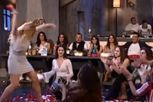Το πιο αμφιλεγόμενο ζεϊμπέκικο στην ελληνική τηλεόραση με 2.000.000 προβολές στο διαδίκτυο!