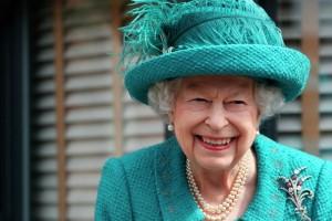 Βασίλισσα Ελισάβετ: Αυτή είναι η αμύθητη περιουσία της! Δείτε πόσα χρήματα έχει