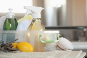 Σπιτικό καθαριστικό προϊόν με λεμόνι - Απομάκρυνε τη σκόνη στο πι και φι!