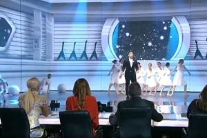 J2US: Η λαμπερή πρεμιέρα του show τραγουδιού