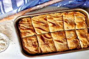 Πατατόπιτα φούρνου με υλικά που σας έχουν περισσέψει