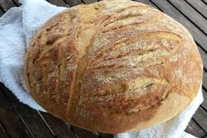 Φτιάξε εύκολα το δικό σου τραγανό ψωμί