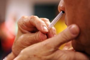 Ρινικό εμβόλιο: Mπλοκάρει άμεσα τον κορωνοϊό στη μύτη - «Ανάσα» από τις προκλινικές δοκιμές