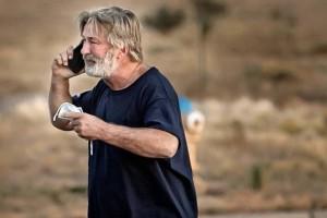 Σοκ στο Χόλιγουντ: Ο Αλέκ Μπάλντουιν σκότωσε καταλάθος 42χρονη σε γυρίσματα της ταινίας Rust! Και ο σκηνοθέτης στην εντατική