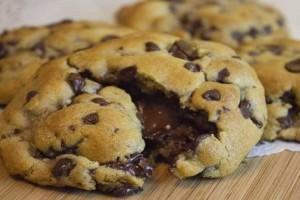 Η μυστική συνταγή για πιο αφράτα σοκολατένια μπισκοτάκια που φάγατε ποτέ