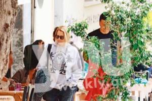 Ερωτευμένοι κάτω από την Ακρόπολη: Αποκλειστικές φωτογραφίες Τζένης Μπαλατσινού και Βασίλη Κικίλια