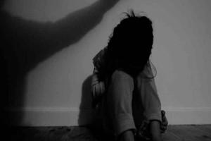 Βιασμός στη Ρόδο: «Η μητέρα μου έπαιρνε ουσίες, μεγάλωσα σε ορφανοτροφείο»  - Τι λέει η 24χρονη κόρη της δράστριας