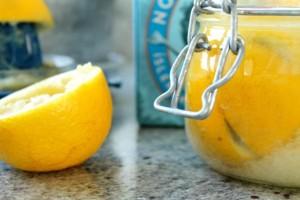Καθάρισε με λεμόνι το ψυγείο σου και θα εκπλαγείς από το αποτέλεσμα!