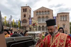 Γιορτάζει σήμερα η Θεσσαλονίκη - Πλήθος κόσμου στη δοξολογία του Αγίου Δημητρίου