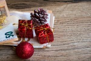 Σας αφορά: Ποιοι θα πάρουν τον χριστουγεννιάτικο «μποναμά»