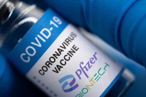 Εμβόλιο Pfizer: Νέα παρενέργεια στα γεννητικά όργανα!