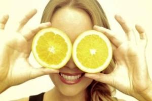 Ρίχνετε λεμόνι στα μάτια σας; Τεράστιος κίνδυνος για την υγεία σας