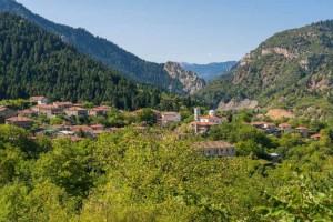 Ευρυτανία: Ταξιδεύουμε σε δύο από τα ομορφότερα χωριά της και από εκεί φτάνουμε στο σπουδαιότερο αξιοθέατο της περιοχής