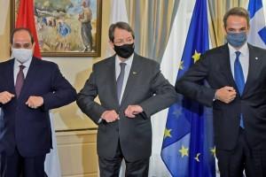 «Έπεσαν» οι υπογραφές στην τριμερή Ελλάδας-Κύπρου-Αιγύπτου: Στα «κάγκελα» ο Ερντογάν