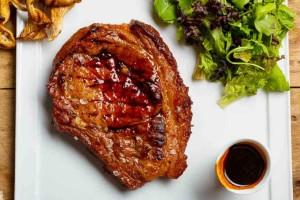 Μπριζόλα με ελαιόλαδο και ξύδι: Η τέλεια μαρινάδα με 3 υλικά που θα φέρει το κρέας... σε άλλο επίπεδο