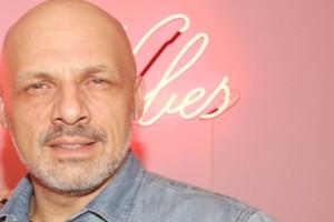 Σούσουρο με Νίκο Μουτσινά: Η σχέση του με πασίγνωστο Έλληνα ηθοποιό