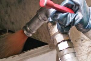 Πετρέλαιο θέρμανσης: Απλησίαστη η τιμή του - Τα μέτρα της κυβέρνησης για να αντέξουν οι καταναλωτές