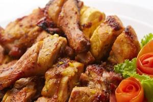 Τελικά η πέτσα του κοτόπουλου κάνει καλό στην υγεία;