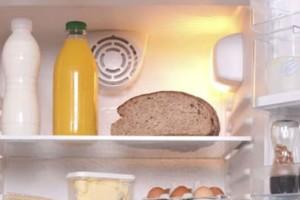 Έβαζε το ψωμί στο ψυγείο για να το κρατά φρέσκο - Μετά απ' αυτό που θα δείτε... δεν θα το ξανακάνετε! (vid)
