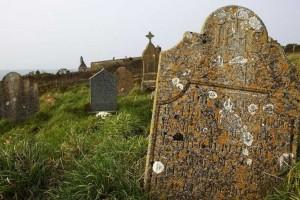 Είδαν ένα σωρό τάφους που δεν είχαν νόημα ύπαρξης - Μόλις κατάλαβαν γιατί είχαν φτιαχτεί κόντεψαν... να λιποθυμήσουν