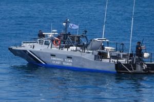 Τραγωδία στην Κρήτη: Κύμα παρέσυρε ψαράδες στη θάλασσα - Ένας νεκρός