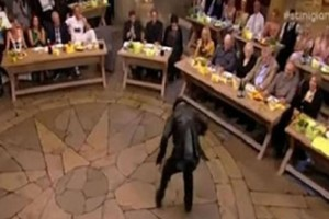 Το χειρότερο ζεϊμπέκικο όλων των εποχών στην Ελληνική τηλεόραση!