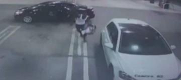 Αδιανόητο: Βρήκε μωρό μέσα στο αμάξι που είχε κλέψει και το παρέδωσε!