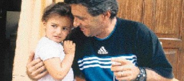 Βέρα Κυράστα: Μεγάλωσε και είναι μια κούκλα! Δείτε πως είναι σήμερα η κόρη του αείμνηστου Γιάννη Κυράστα!