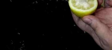 Δείτε τι μπορείτε να κάνετε με ένα λεμόνι και λίγο αλάτι!