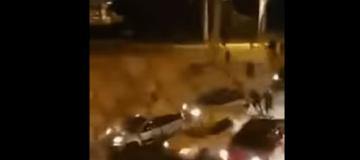 Αδιανόητο: Οπαδοί ΑΕΚ και Ολυμπιακού συγκρούστηκαν μετά από κόντρες με αμάξια! (video)