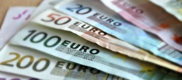 Έκτακτο κοινωνικό μέρισμα πριν τις εκλογές: Ποσά που αγγίζουν τα 1.000 ευρώ!